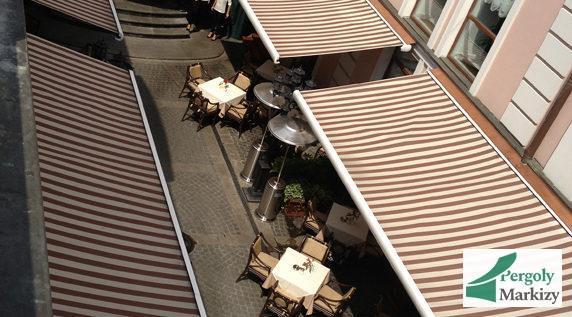 Маркизы Armony BAT над летней площадкой ресторана