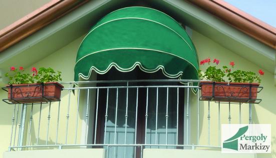 Маркиза ВАТ над балконной дверью